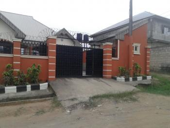 2 Unit 3 Bedrooms  Flats, Bq and a Security House with a C of O, Nwaniba By University of Uyo, Uyo, Akwa Ibom, House for Sale