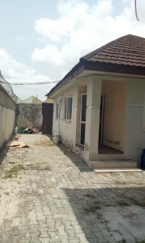 2 Bedroom Bq, Self Compound, Lekki Phase 1, Lekki, Lagos, Flat for Rent