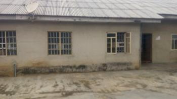 Newly Renovated Mini Flat, Fadeyi, Shomolu, Lagos, Mini Flat for Rent