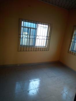 Room in a Lovely 3 Bedroom, Eric Moore Close, Eric Moore, Surulere, Lagos, Self Contained (studio) Flat for Rent