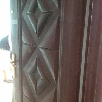 Renovated 2 Bedroom Upstairs, Ladipo, Mushin, Lagos, Flat for Rent