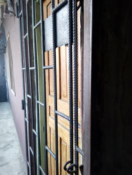 Clean Lovely Self, Adekunle, Yaba, Lagos, Self Contained (studio) Flat for Rent