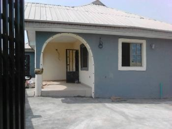 Three Bedroom with Two Toilets and Other Necessary Facilities, Before Adebowale Ondo Road, Akure, Ondo, Detached Bungalow for Sale