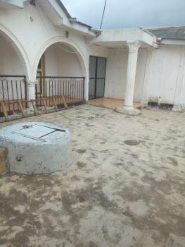7 Bedroom Bungalow, 168 Omoyele Old Alagbado Road, Ado-odo/ota, Ogun, Detached Bungalow for Sale