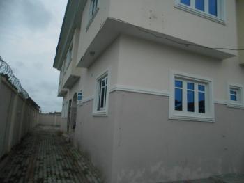 Fully Ensuit Upfloor 3 Bedroom Flat with Standard Boys Quarters, Off Mobil Road After Vgc Before Ajah Bus-stop, Lekki Phase 2, Lekki, Lagos, Flat for Rent