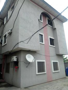 3 Bedroom Flat All Room En Suite, Shogbamu Street,close to R Jolad Hospital, Gbagada, Lagos, Flat for Rent