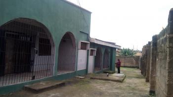 Bungalow, Olorunsogo, Ona Ara, Oyo, Block of Flats for Sale