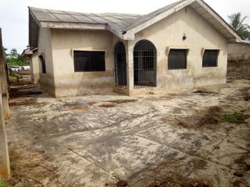 4 Bedroom Bungalow Distress Sale, Ilupeju Estate, Idi Ayunre, Oluyole, Oyo, Detached Bungalow for Sale