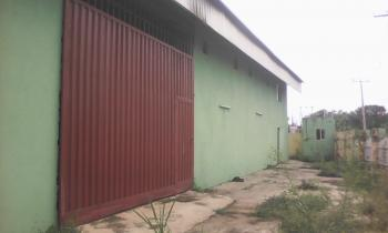 Warehouse of 500sqm with Bungalow at The Back on 1500sqm Land in an Excellent Location, Oluyole Estate, Ibadan, Oyo, Warehouse for Sale