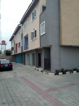 Five Bedroom Terrace with a Bq, Lekki Phase 1, Lekki, Lagos, Terraced Duplex for Rent