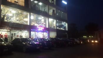 Shop, Ademola Adetokunbo Crescent, Wuse 2, Abuja, Shop for Rent