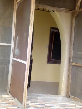 Lovely 3 Bedroom, Onike, Yaba, Lagos, Flat for Rent