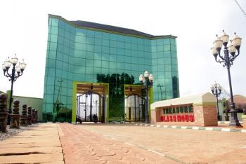 Treasure Parks and Gardens, Glass House Estate, Simawa, Ogun, Mixed-use Land for Sale