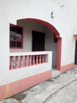 Clean 3 Bedroom, Yaba, Lagos, Flat for Rent