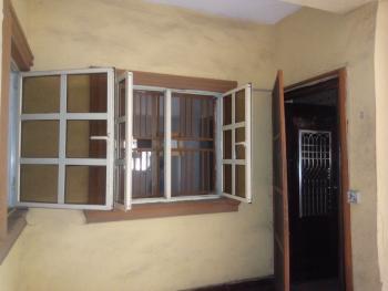 Luxury Three Bedroom Flat, Adekunle, Yaba, Lagos, Flat for Rent
