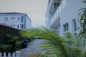 No 1 for Weekends, Road 13, Close 16, House L7, Back of Christland School, Vgc, Lekki, Lagos, Flat Short Let