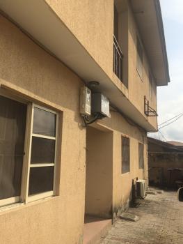 2 Bedroom Upstairs, Opposite Idado, Lekki, Lagos, Flat for Rent