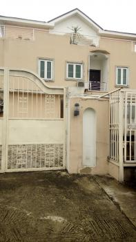 3 Bedroom Pent House with a Room Bq, Off Admiralty, Lekki Phase 1, Lekki, Lagos, Flat for Rent