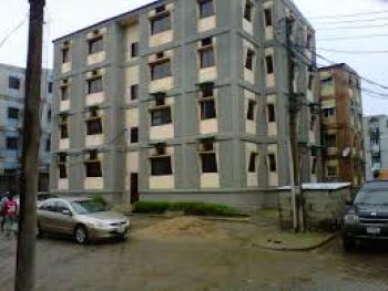 an Estate Flat (renovation Needed), Alimosho Road, Dolphin Estate, Dolphin Estate, Ikoyi, Lagos, Flat for Rent