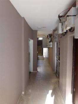 28sqm Shop Space, 135, Adetokunbo Ademola Crescent, Wuse 2, Abuja, Plaza / Complex / Mall for Rent