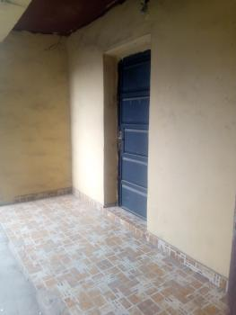 Decent Lovely Three Bedroom Flat, Onike, Yaba, Lagos, Flat for Rent