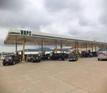 Filling Station, Along The Expressway, Kubwa, Abuja, Commercial Property for Sale
