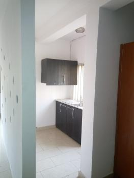 Room Self Contained, Lekki Phase 1, Lekki, Lagos, Flat for Rent