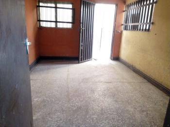 Two Bedroom Flat 2, Tenants, Onike, Yaba, Lagos, Flat for Rent