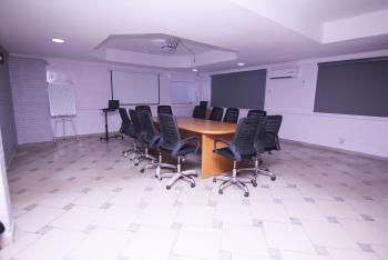 Elite Meeting Room, 2nd Floor, Wuraola House, 82, Allen, Ikeja, Lagos, Conference / Meeting / Training Room for Rent