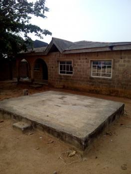 3 Bedroom Bungalow, Olowofela Magboro, Opposite M F M, Off Lagos Ibadan Expressway, Magboro, Ogun, Detached Bungalow for Sale