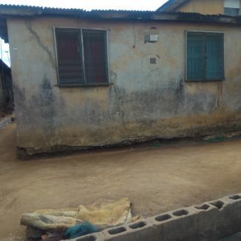 Bungalow to Demolish, Oyebade Street, Ejigbo, Lagos, Detached Bungalow for Sale