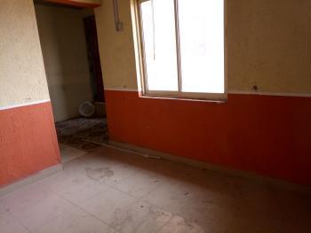 a Lovely Fairly Used Mini Flat, Fola Agoro, Yaba, Lagos, Mini Flat for Rent
