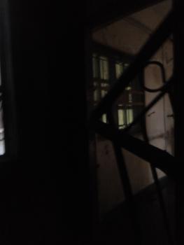 Lovely Decent 2 Bedroom, Adekunle, Yaba, Lagos, Flat for Rent