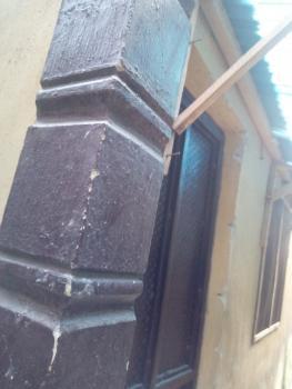 Decent 2 Bedroom, Adekunle, Yaba, Lagos, Flat for Rent