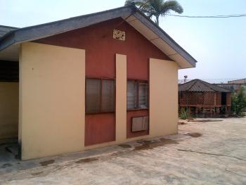 Sound, Neat and Spacious 2 Bedroom Chalet with All Rooms En-suite, Dele Akinmusuti Street, International Cards Area, Oluyole Estate, Ibadan, Oyo, Flat for Rent
