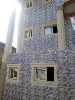 Renovated Miniflat Upstairs Ijesha, Off Ogunlana, Ijesha, Surulere, Lagos, Mini Flat for Rent