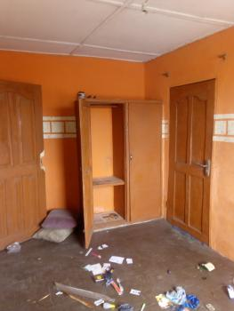 3 Bedroom Flat Upstairs with 2 Toilets, Off Fashoro Street, Ojuelegba, Surulere, Lagos, Flat for Rent
