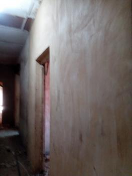 Renovation Self with Big Parking Space, Adekunle, Yaba, Lagos, Self Contained (studio) Flat for Rent
