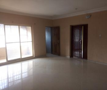 Nice and Standard Upstairs Share Apartment in a Serene Estate, Agungi, Lekki, Lagos, Self Contained (single Room) for Rent