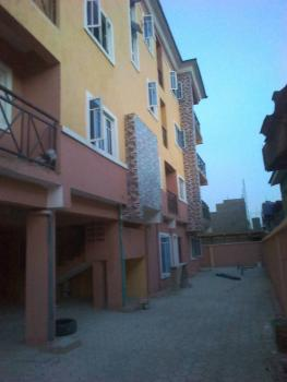 Newly Built 3 Bedroom Flat, Ishaga Road, Ojuelegba, Surulere, Lagos, Flat for Rent