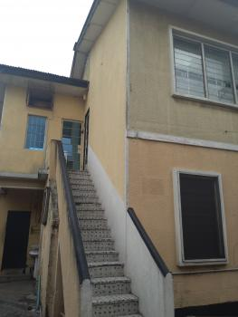 Well Maintained 5 Bedroom Office Space, Ogunlana Drive, Ogunlana, Surulere, Lagos, Office Space for Rent