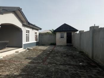 Well  Built 2 Bedroom Flat, All Rooms En Suite., Awoyaya, Ibeju Lekki, Lagos, Flat for Rent