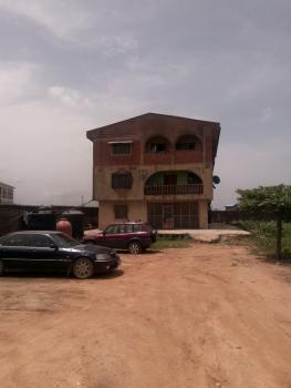 En Suite 2 Bedroom Flat Upstairs, Off Oworo Road, Oworonshoki, Kosofe, Lagos, Flat for Rent