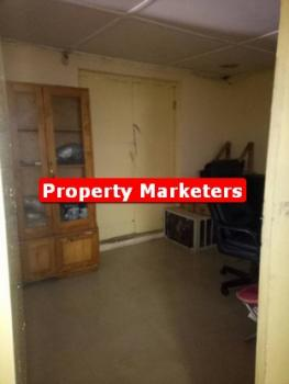 4 Bedroom Flat, Suitable for Office, Clinic., Otedola Route, Omole Phase 2, Ikeja, Lagos, Flat for Rent