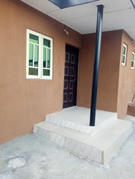 Clean Lovely 2 Bedroom (3 Tenants), Yaba, Lagos, Flat for Rent
