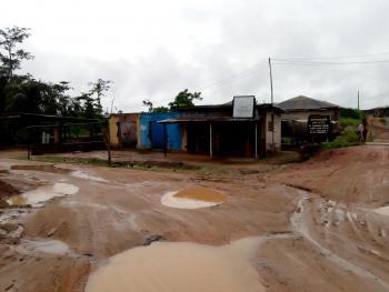 Shop, Ogunrun Phase One Junction, Mowe Ofada, Ogun, Shop for Sale