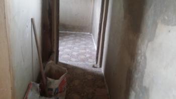 Newly Renovated Mini Flat, Yaba, Lagos, Mini Flat for Rent