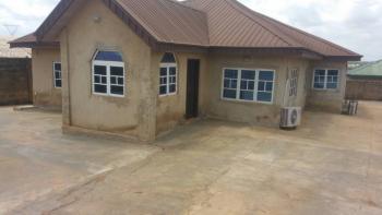 4 Bedroom Bungalow, Apete, Ibadan, Oyo, Detached Bungalow for Sale
