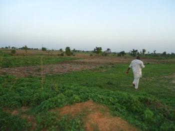 105 Hectares of Farmland, Along Keffi - Nasarawa Toto Road, Keffi, Nasarawa, Commercial Land for Sale