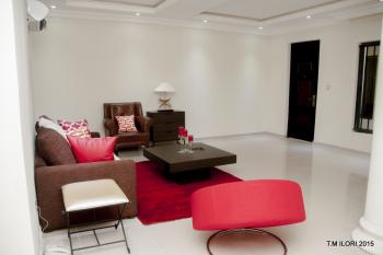 a Luxury Unfurnished  2 Bedroom with Topnotch Facilities Pool , Gym & Lounge., Agungi, Lekki, Lagos, Flat for Rent